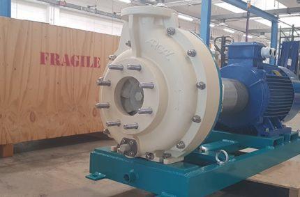Horizontal composite feed pump
